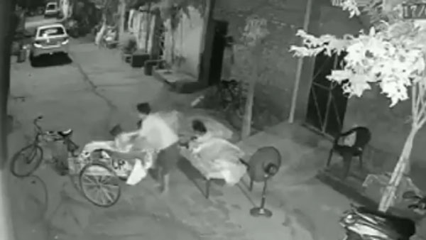 Video: Man attempts to steal child but family members wake up and save her