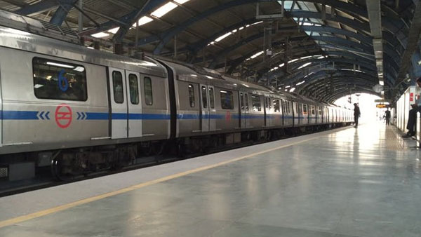 33-year-old man dies after jumping before Delhi Metro train