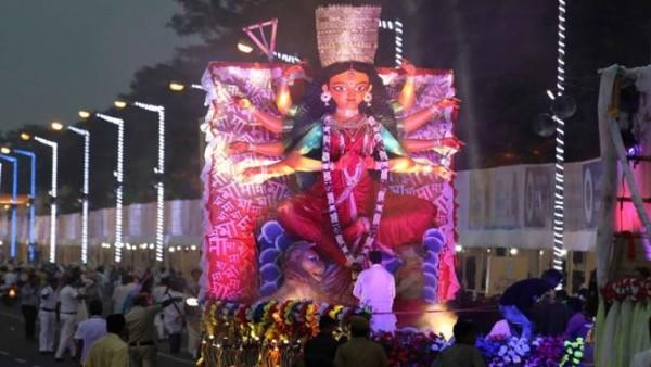 Durga Puja Carnival, a 'mockery of democracy': Bengal BJP