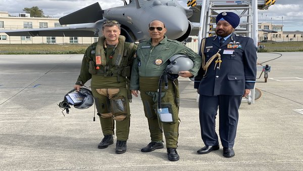 Defence Minister Rajnath Singh at Dassaults Assembly unit in France
