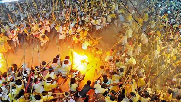Banni festival: 4 killed, 50 injured in traditional stick fight during Dusshera celebrations