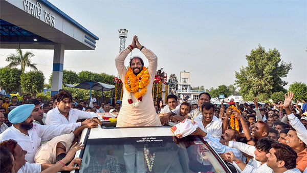Haryana Lokhit Party leader Gopal Kanda during a roadshow after his victory