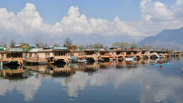 Travel restrictions lifted in J&K, wanderlust Bengalis eager to visit Kashmir