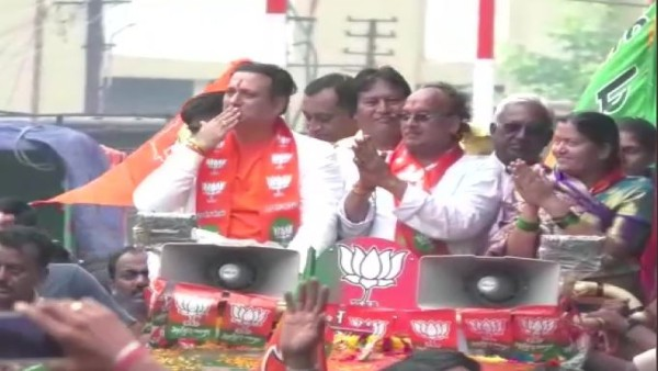 Actor Govinda campaigns for BJPs Chainsukh Madanlal Sancheti
