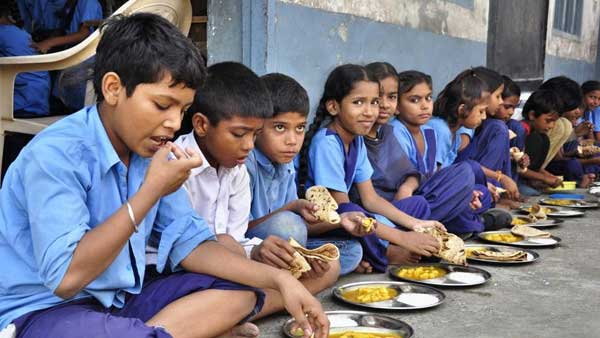 Dead rat found in midday meal in UP, 8 students and teacher fall ill