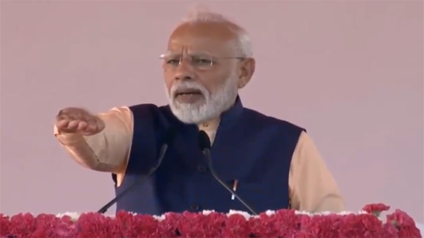 Modi administers 'Pledge of Unity' in Kevadia, Gujarat
