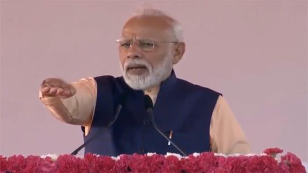 <strong>Rashtriya Ekta Diwas 2019: PM Modi administers 'unity pledge' on Sardar Patel's birth anniversary</strong>