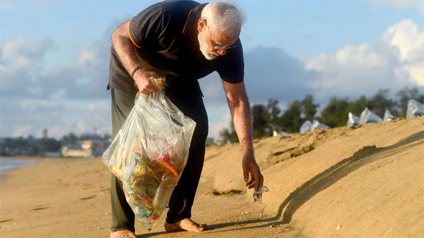 Prime Minister Narendra Modi plogs along the scenic coast of Mamallapuram