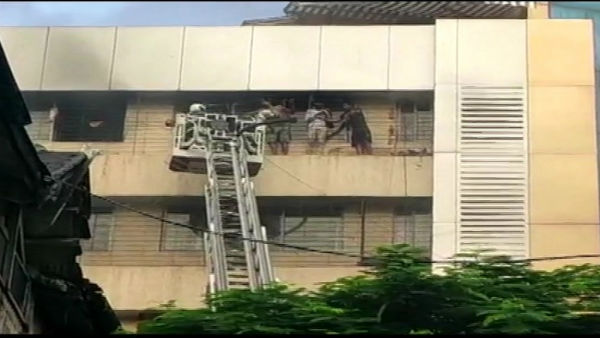 Mumbai: 8 rescued as fire breaks out in Aaditya Arcade building near Charni road
