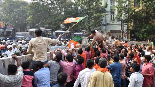 Clash breaks out at BJP's protest rally against the spurt in dengue cases