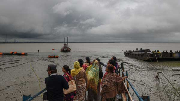 Cyclone 'Bulbul' makes landfall at Sagar Island near Kolkata, two killed