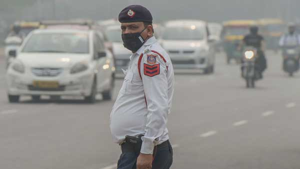 Delhi Air Pollution: Air quality improves after a gloomy spell, but still at very poor category