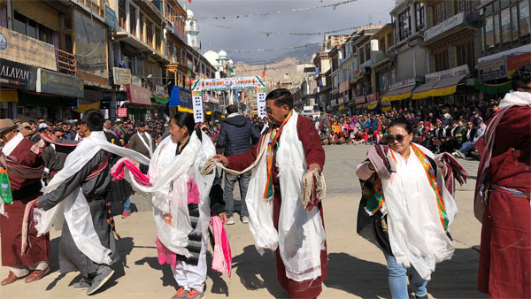 Mixed emotions as J&K, Ladakh are born as UTs