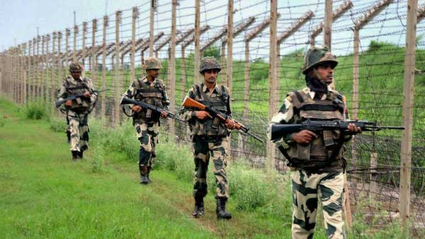 Pak troops shell Indian forward posts along LoC