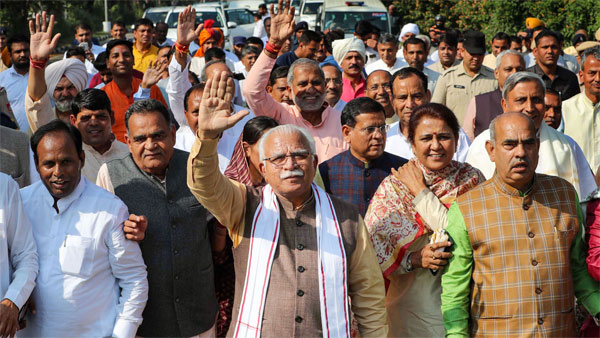 Haryana Chief Minister Manohar Lal Khattar along with BJP MLAs