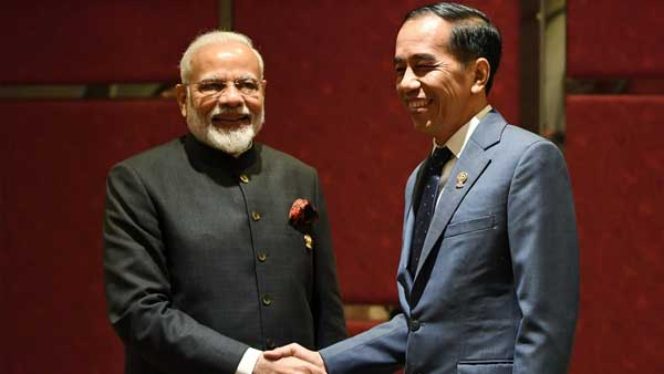 [ASEAN summit: PM Modi meets Indonesian President Joko Widodo]