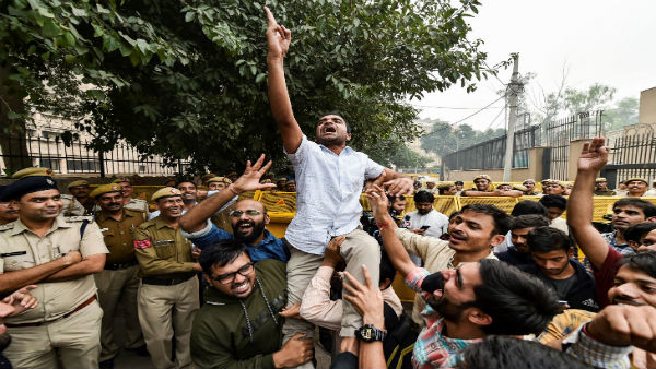 JNU protests: Delhi Police registers FIRs; JNUSU says no action should be taken against protesters
