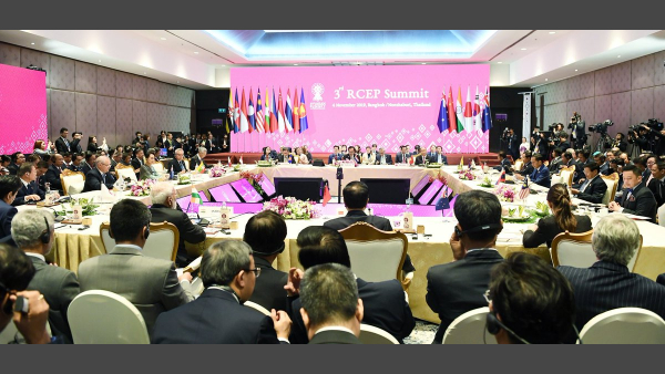 PM Modi in a group photo with other world leaders at the 3rd RCEP Summit in Bangkok