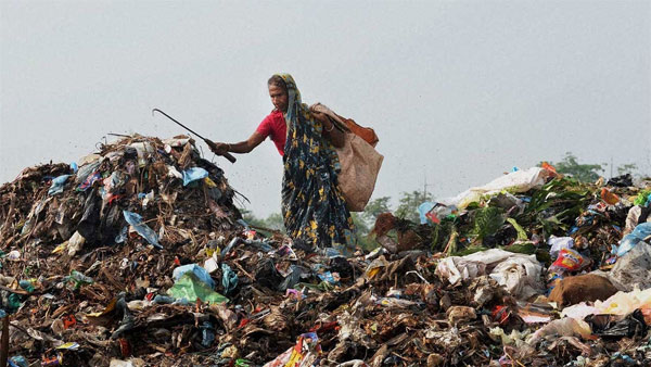 Woman ragpicker suffers injury after box in garbage explodes in Hyderbad