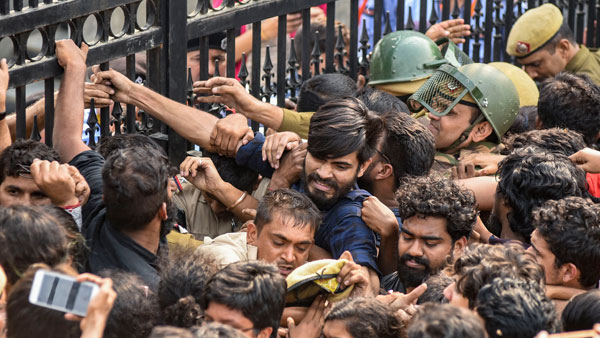 Massive protest in JNU over fee hike; V-C leaves campus under security