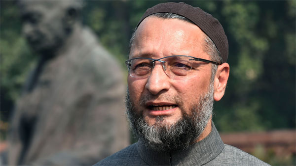 Owaisi leads Muslims' delegation, urges TRS govt to stay NPR in Telangana