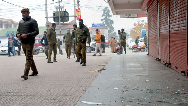 Signs of political activity in J&K as politicos are released in a phased manner