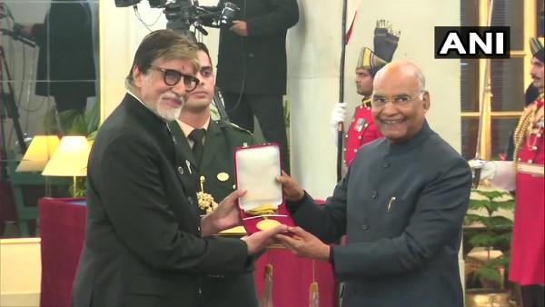 Prez Kovind honours Amitabh Bachchan with Dadasaheb Phalke Award