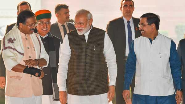 Oppn speaking language of Pakistan on Citizenship Bill, says PM Modi at BJP meet