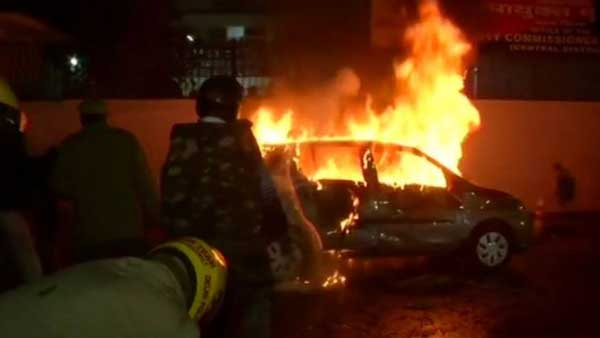 Citizenship Act protests: Car set on fire in Delhi's Daryaganj; anti-riot vehicle called in
