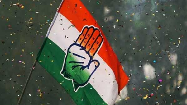 Jharkhand Election Results: Cong workers burst crackers, distribute sweets as trends come in
