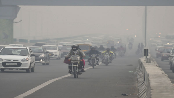 Severe cold grips Delhi, IMD issues red warning