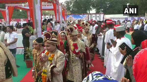 271 fatherless girls married off at mass marriage in Gujarat's Surat