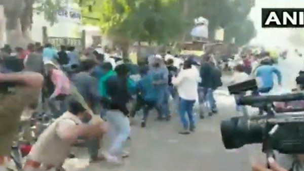 Police baton charge anti-CAA protesters in Gujarat's Ahmedabad