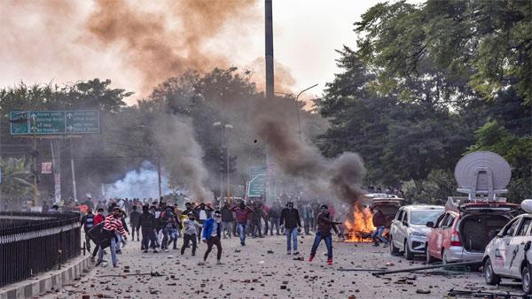 Anti-CAA stir: 11 dead in violence across Uttar Pradesh