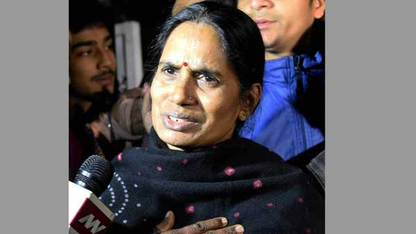 'Waited for7 years, will keep fighting for justice for my daughter: Nirbhayas mother