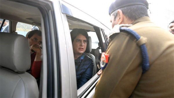 Rahul, Priyanka stopped outside Meerut, barred from meeting Kin of protesters killed in CAA violence