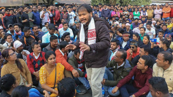 Student protest outside Assam Bhawan in Delhi demands release of RTI activist; 93 detained
