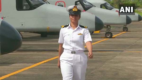 Sub Lt Shivangi becomes Navys first woman pilot