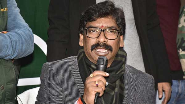 Mamata asks Hemant Soren to campaign for her in WB polls; JMM to decide on it