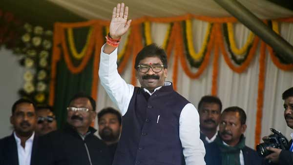 Coronavirus crisis: State govt is bearing transport expense of migrant workers, says Jharkhand CM