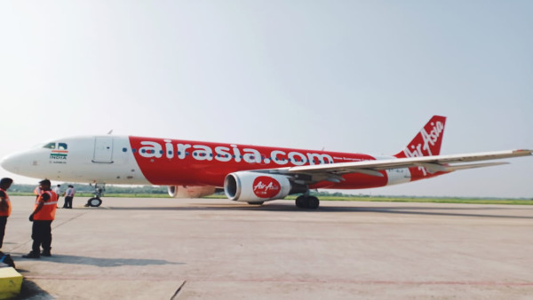 DGCA suspends two senior executives of AirAsia India for three months over safety violations