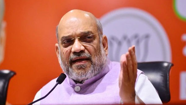Rahul, Priyanka Gandhi misleading people over CAA and instigating riots: Amit Shah
