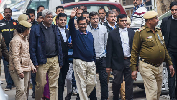 Have Cong & BJP made it cakewalk for Kejriwal in Delhi election race