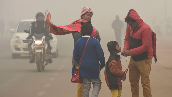 Delhi records bone-chilling cold as mercury dips to 3.5 degrees Celsius