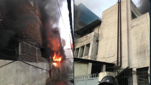 Massive Fire at Mayapuri shoe factory; 20 extinguishers at the spot, 2 injured