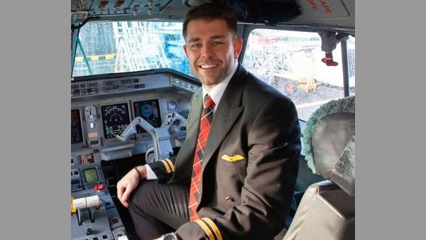 31-year-old HIV+ British man challenges rules to qualify as commercial pilot