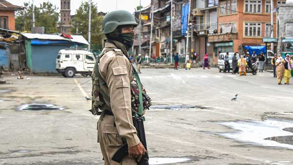 16 envoys including US Ambassador reach Kashmir, EU skips