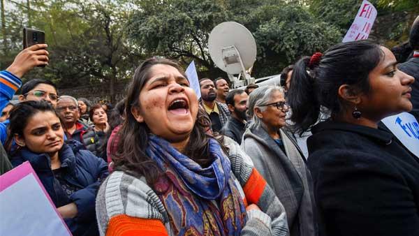 JU, Presidency students take out rallies against JNU violence