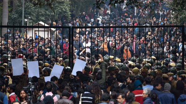 JNU violence: 70 administrators of WhatsApp groups under scanner