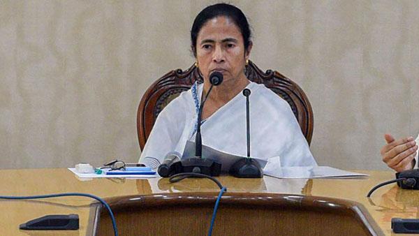 'Are you Pakistan's Ambassador?': Mamata Banerjee hits out at Modi